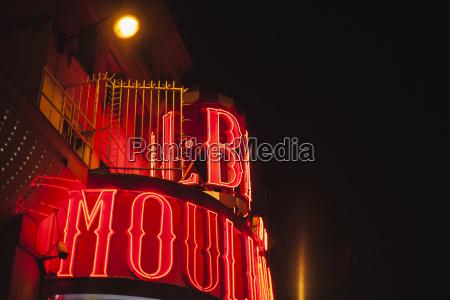 francaparisilumina o moulin rouge de noite